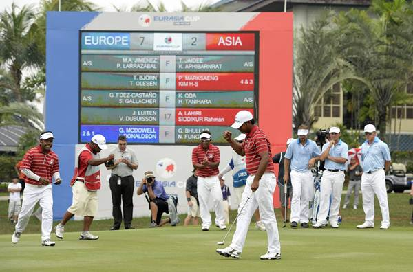 WE DID IT: Anirban Lahiri of India celebrates during the foursomes at the EurAsia Cup. Team Europe lead Team Asia 7-3. Picture by PAUL LAKATOS/Asian Tour.