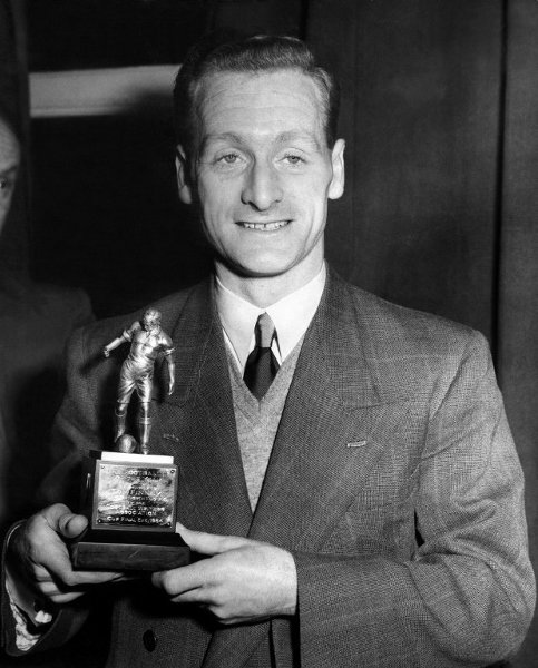 Finney with his 1954 Football Writers Association Footballer of the Year trophy. AFPpic
