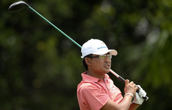EYES ON THE PRIZE: Nicholas Fung hopes to repay Thongchai Jaidee's faith in him by earning a point tomorrow. Picture by PAUL LAKATOS/Asian Tour