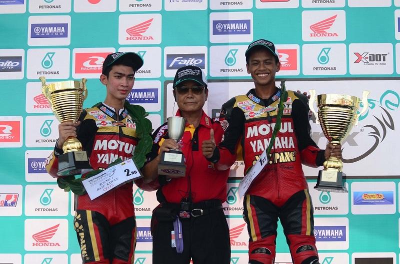 Batu Kawan CP115 Podium - Izzat Zaidi-right and Tengku Amirul-left with team manager Pang Yoke You
