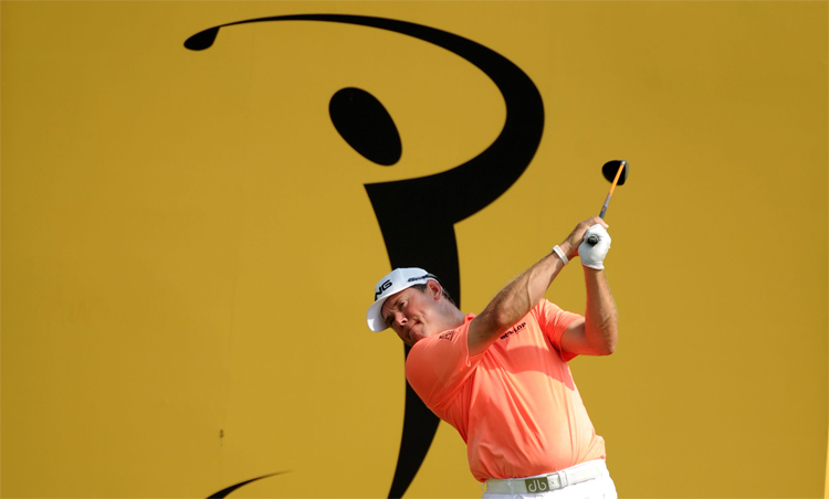 Lee Westwood reinforced his reputation as an Asian specialist when he fired a classy seven-under-par 65 for the first round clubhouse lead in the Maybank Malaysian Open 2014