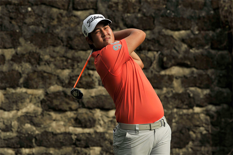 Poosit Supupramai of Thailand took advantage of a hot start when he seized the halfway stage lead at the PGM Lada Langkawi Championship with an eight-under-par 64 on Tuesday.