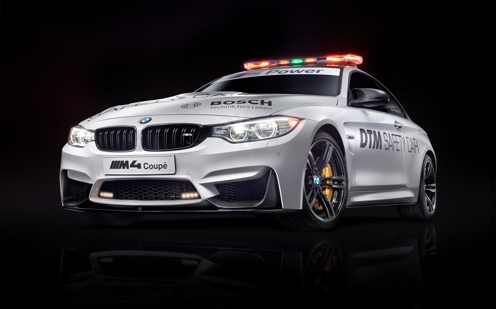 New BMW M4 Coupé DTM Safety Car leads the Field