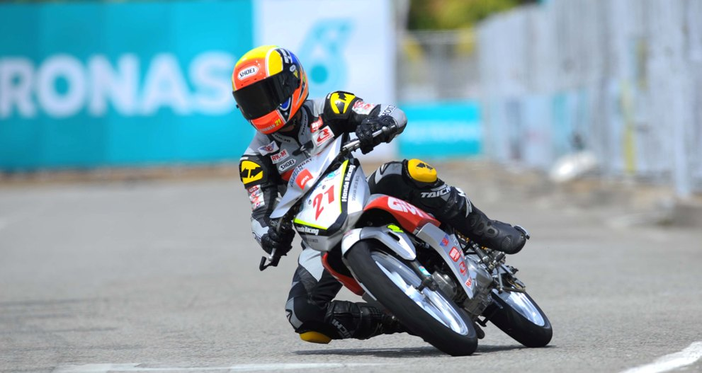 Zaqhwan in action during the CP130 practice sessions in Terengganu