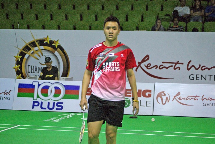Zulfadli Zulkifli made shortwork of Lee Zii Jia 11-3, 11-5, 11-8 in the first men's singles in only 18 minutes.
