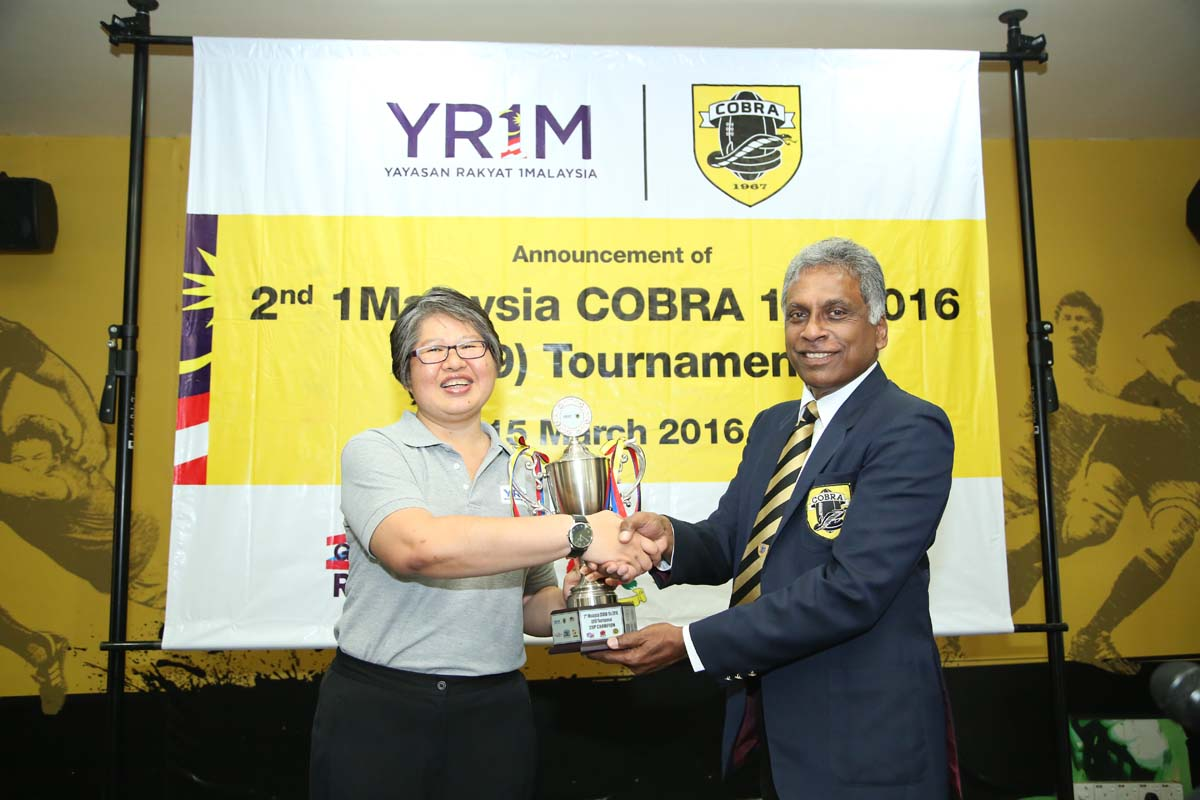Yayasan Rakyat 1Malaysia Chief Executive Officer Ung Su Ling(left) with COBRA President Lt. Col (Retd) Tommy Pereira announced the dates for the 2nd 1Malaysia COBRA U-19s Rugby tournament.