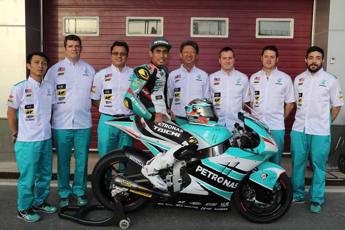 Hafizh Syahrin with PETRONAS Raceline Malaysia team during 2016 Qatar GP.