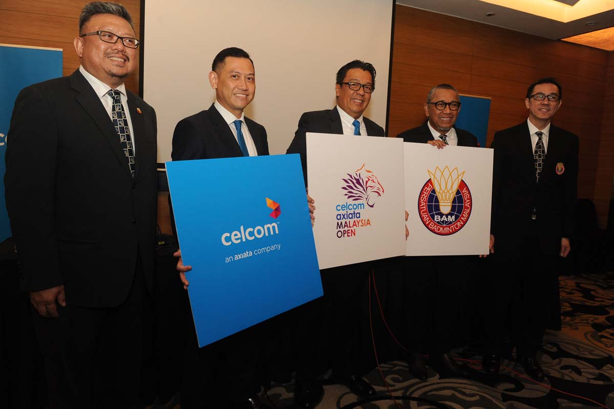 From left, Lawrence Chew, General Manager BAM, Zalman Aefendy Zainal Abidin, Chief of Sales and Marketing Officer, Celcom Axiata Berhad, Dato' Sri Shazalli Ramly, Chief Executive Officer, Celcom Axiata Berhad, Tan Sri Mohamed Al-Amin Abdul Majid, Acting President BAM, Ng Chin Chai, Honorary Secretary BAM officiating the Celcom Axiata Malaysian Open 2016.
