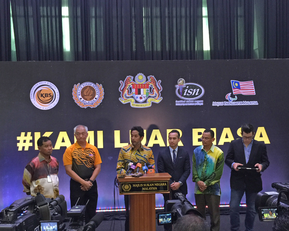 Khairy paid tribute to the athletes and expressed confidence of a bigger and higher achievement.