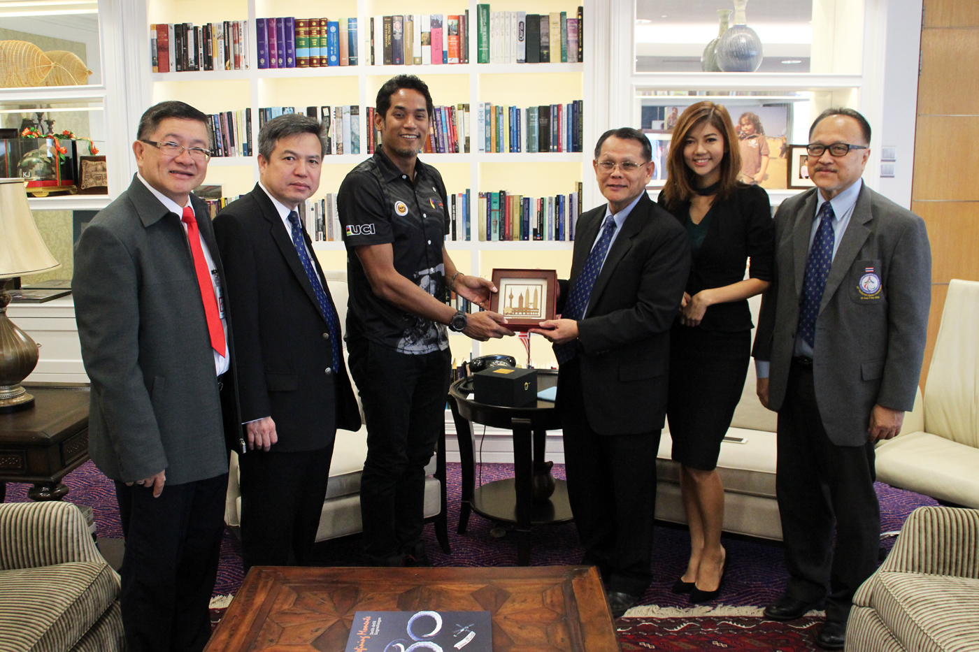 ASEAN Para Sports Federation (APSF) paid a courtesy call on the Minister of Youth and Sports-0013