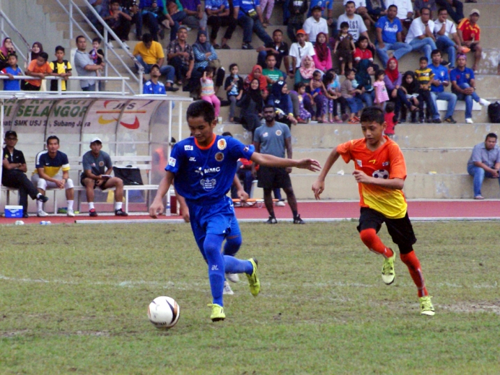 Liga KPM U14 - SSN Selangor (oren) vs SSTMI-007 (biru)