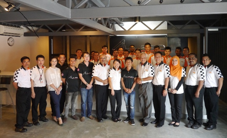 The board of directors from TOC Automotive College, students and lecturers together with team Aylezo.