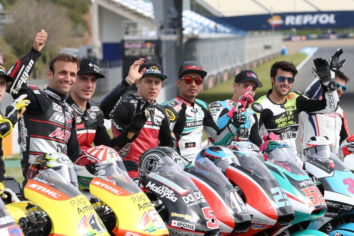 Hafizh Syahrin (four from right)