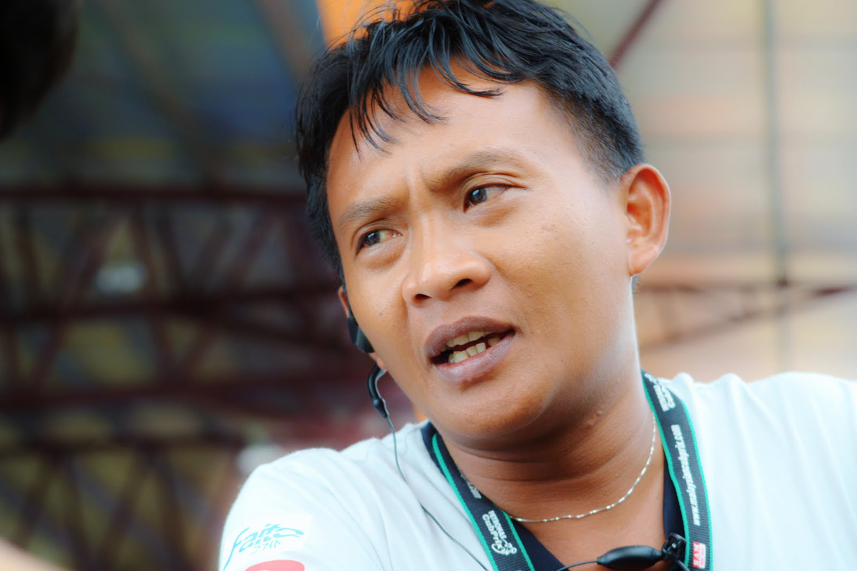 Shahrol Yuzy Ahmad Zaini (born 1976 in Teluk Intan, Perak) is a motorcycle Grand Prix rider from Malaysia. After his retirement from motorcycle racing at the end of 2002, he served as a full-time mentor of Team Petronas Sprinta Racing for the Malaysian Cub Prix from 2003 to 2007. Photo Credit – Yuzyracing.blogspot.com