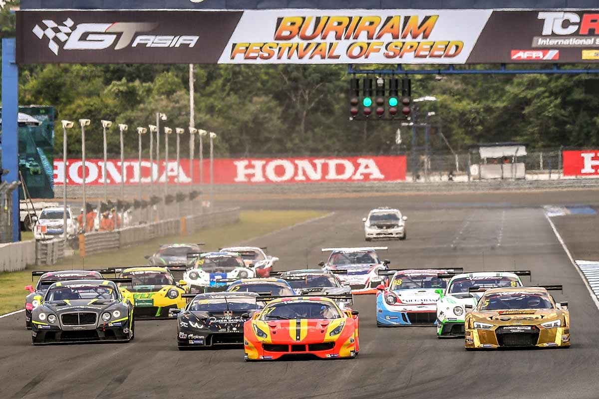 Fortunately predicted rain didn't arrive at the Chang International Circuit, however humidty was up well over where it had been during the opening race, making conditions a little more challenging for the drivers.