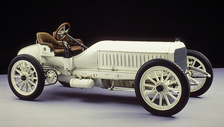Rennwagen Mercedes 120 PS, konstruiert von Wilhelm Maybach und 1906 fertiggestellt. Das Fahrzeug gehört heute zur Sammlung des Mercedes-Benz Museums.