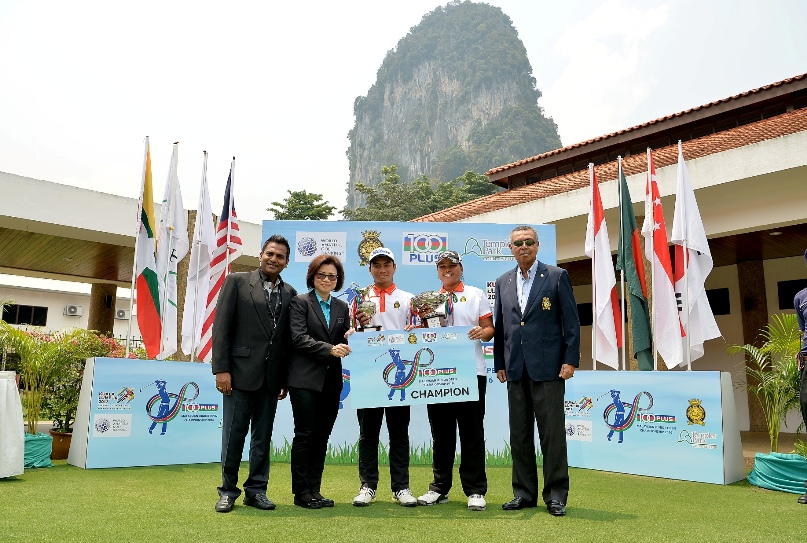 (From left) – Mr Manibalan Kutty, General Manager of TPCC; Puan Cariessa Goh, Corporate Affairs Manager of Fraser &Neave Holdings Sdn Bhd; Muhammad Afif Muhd Fathi; Qistina Balqis Azhar and Senator Tan Sri Dato Setia Mohd Anwar Hj. Mohd Nor, President of the Malaysian Golf Association (MGA).
