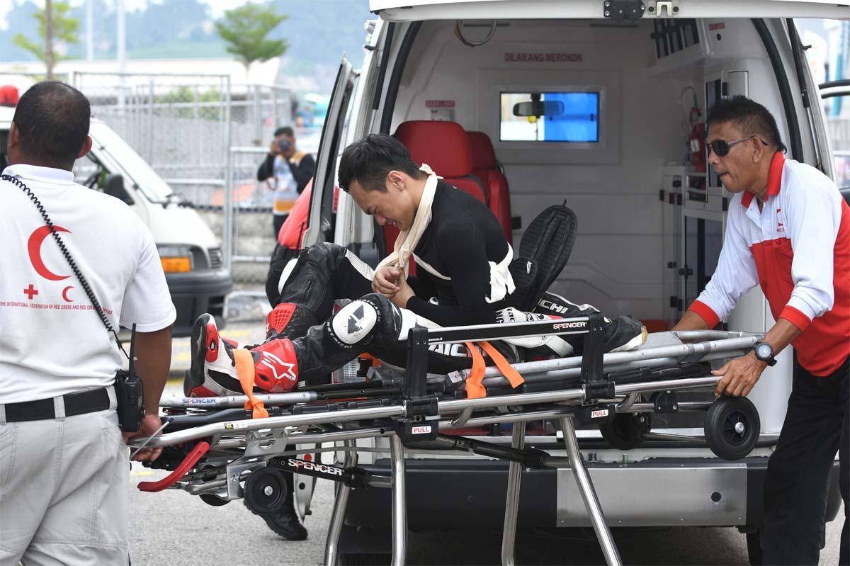 Pelumba Givi Honda Yuzy; Mohd Zaqhwan Zaidi terjatuh ketika sesi latihan bebas kedua di Litar Kemaman, Terengganu.