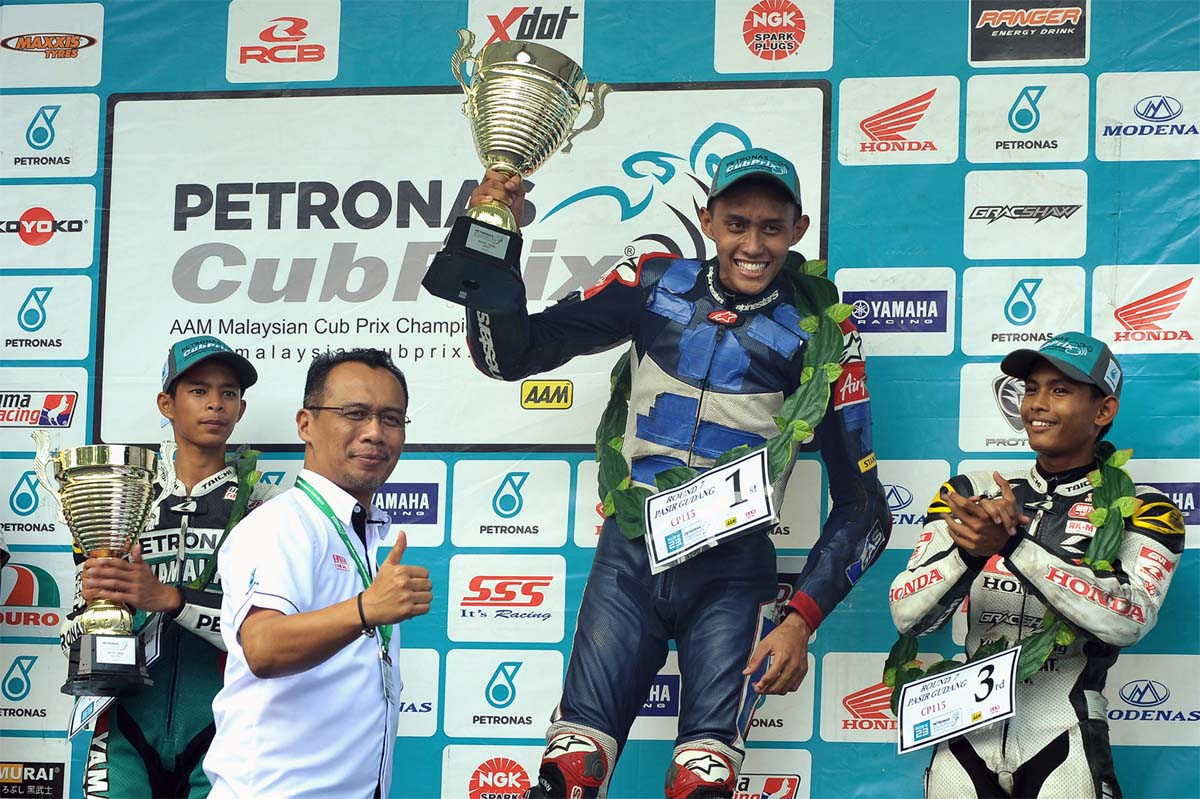 Fakhrusy Syakirin Rostam made a surprising comeback into Cub Prix racing with an unexpected win at the Pasir Gudang Stadium of Round 7 PETRONAS AAM Malaysian Cub Prix Championship.