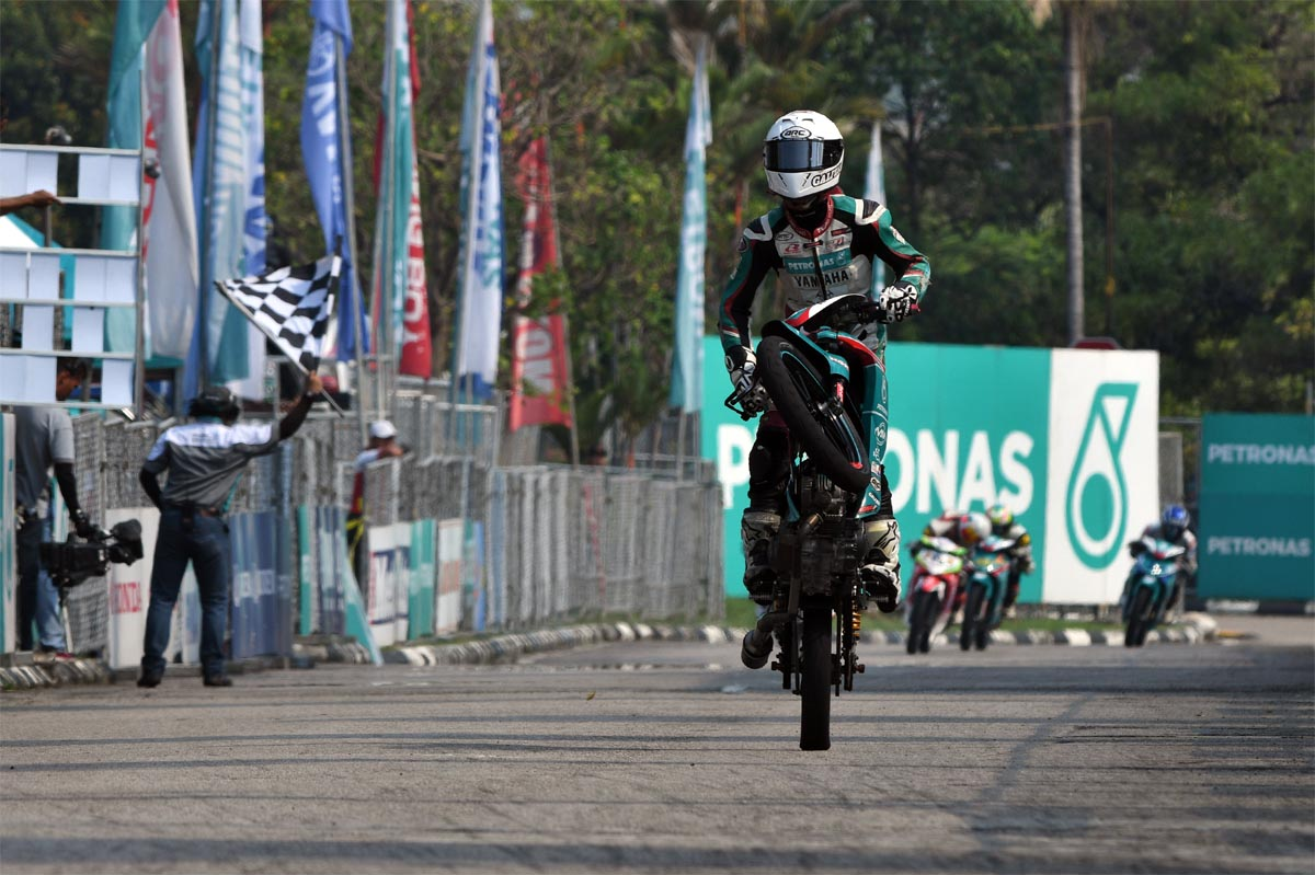 Kasma Daniel Kasmayuddin's winning ways has secured the coveted CP130 team award for PETRONAS Yamaha Maju Motor.