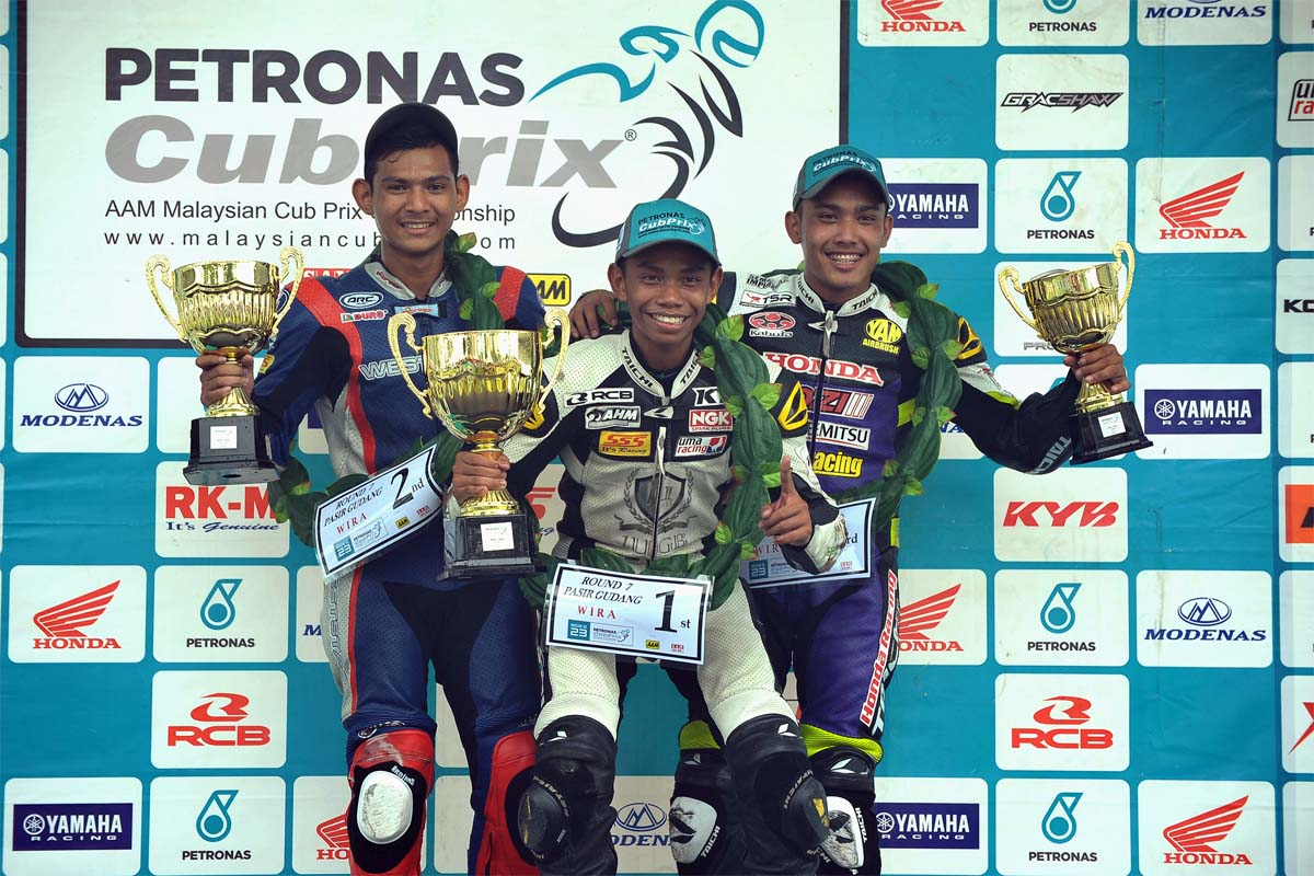 Podium Winner of WIRA, from left; Md Qhuwarismi Md Nasir, Md Helmi Azman & Md Shafiq Ezzariq