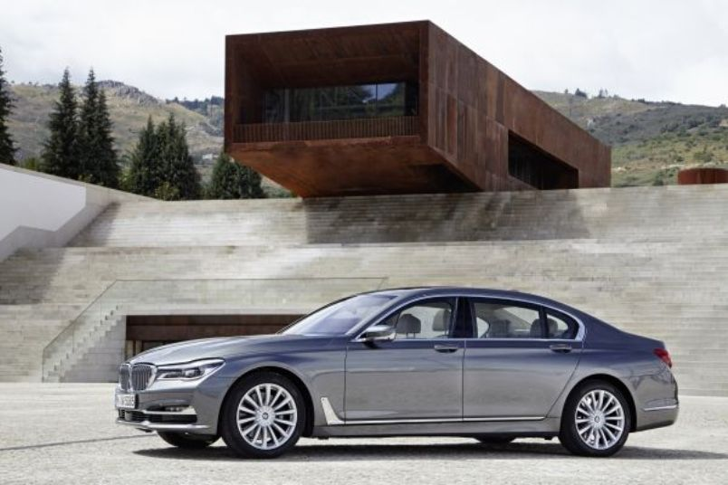 p90195398_lowres_the-new-bmw-750li-xd