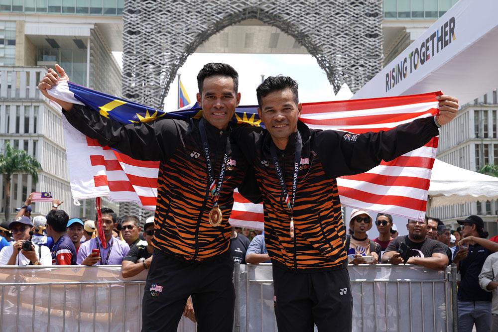 29th SEA Games KL2017 Cycling Basikal Criterium - Mohd Harrif Saleh(left) & Mohd Zamri Saleh